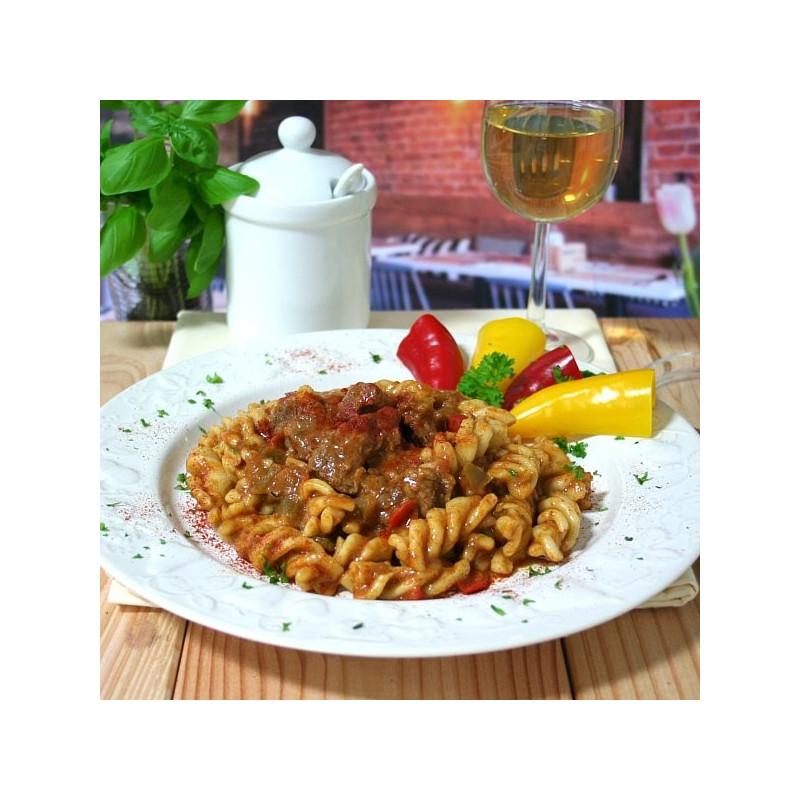 Dosen Bistro Gulasch di manzo ungherese con pasta (400g)