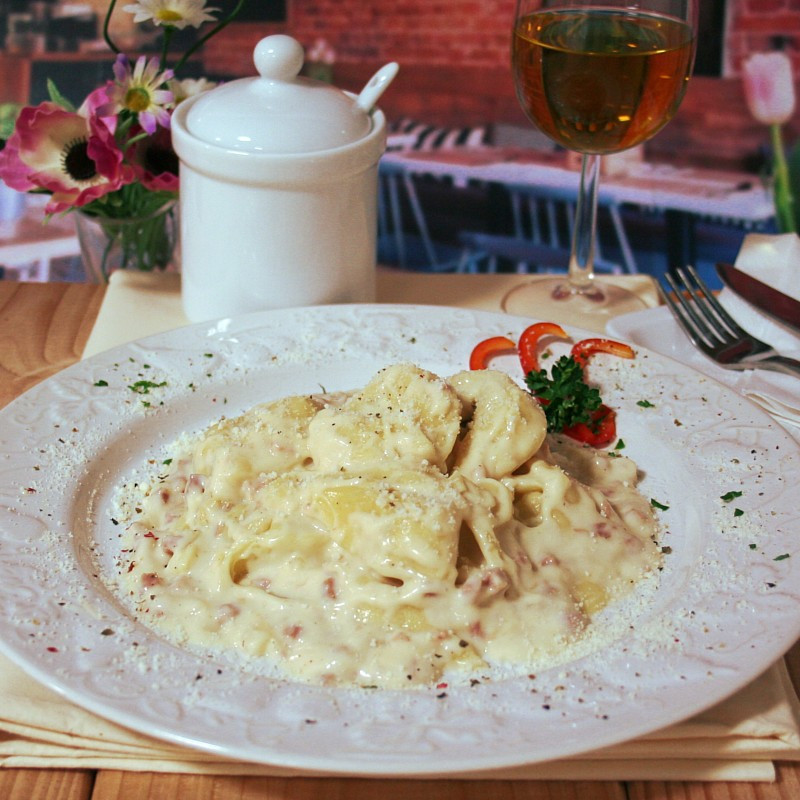 Dosen Bistro tortellini in ham and cream sauce (400g)