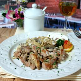 Dosen Bistro Schweinegeschnetzteltes in Champignonrahmsoße mit Nudeln (400g)