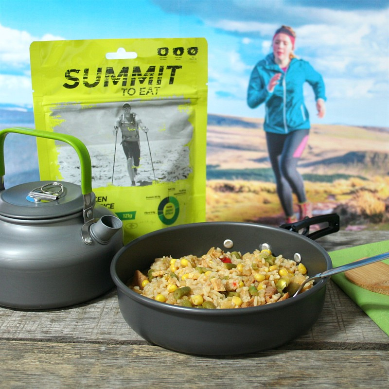 Summit chicken with fried rice chinese style (121g)