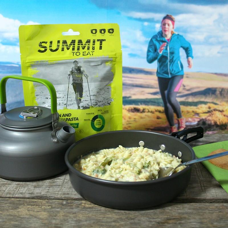 Summit salmon and broccoli pasta (117g)